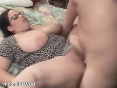 Hot and chubby wife enjoys in wet oral