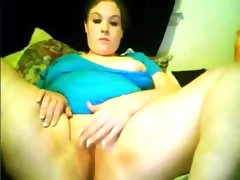Chubby slut sara spreads her legs and..