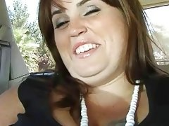 Bbw gets in car opens her pussy for dick
