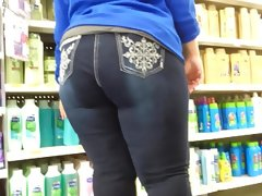 Chunky latina milf stuffed blue jeans