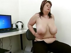 Chubby girl masterbates in front of pc
