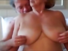 Big natural tits and pussy play with..