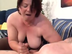 Horny mature wife loves giving sex..